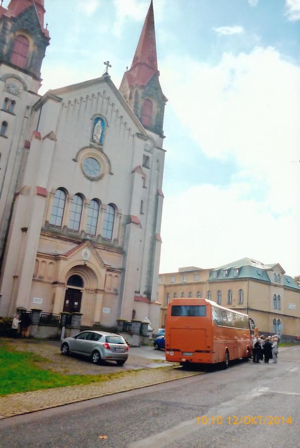 Ankunft der Pilgergruppe vor der Basilika