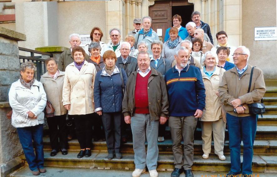 Nicht ganz komplette Pilgergruppe vor der Basilika