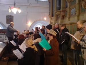 Der Chor singt in Nixdorf.